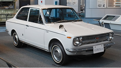 TOYOTA COROLLA First Generation (1966 - 1970)